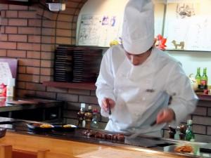 ステーキレストラン「楓」調理中1