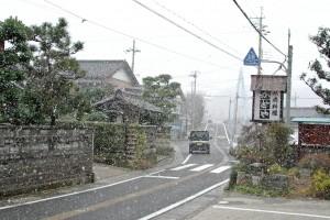 急変、雪に!