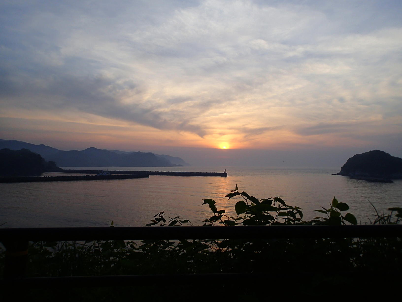 ご存知ですか?夕陽にも旬が~夕陽百選今子浦、見ごろとなりました