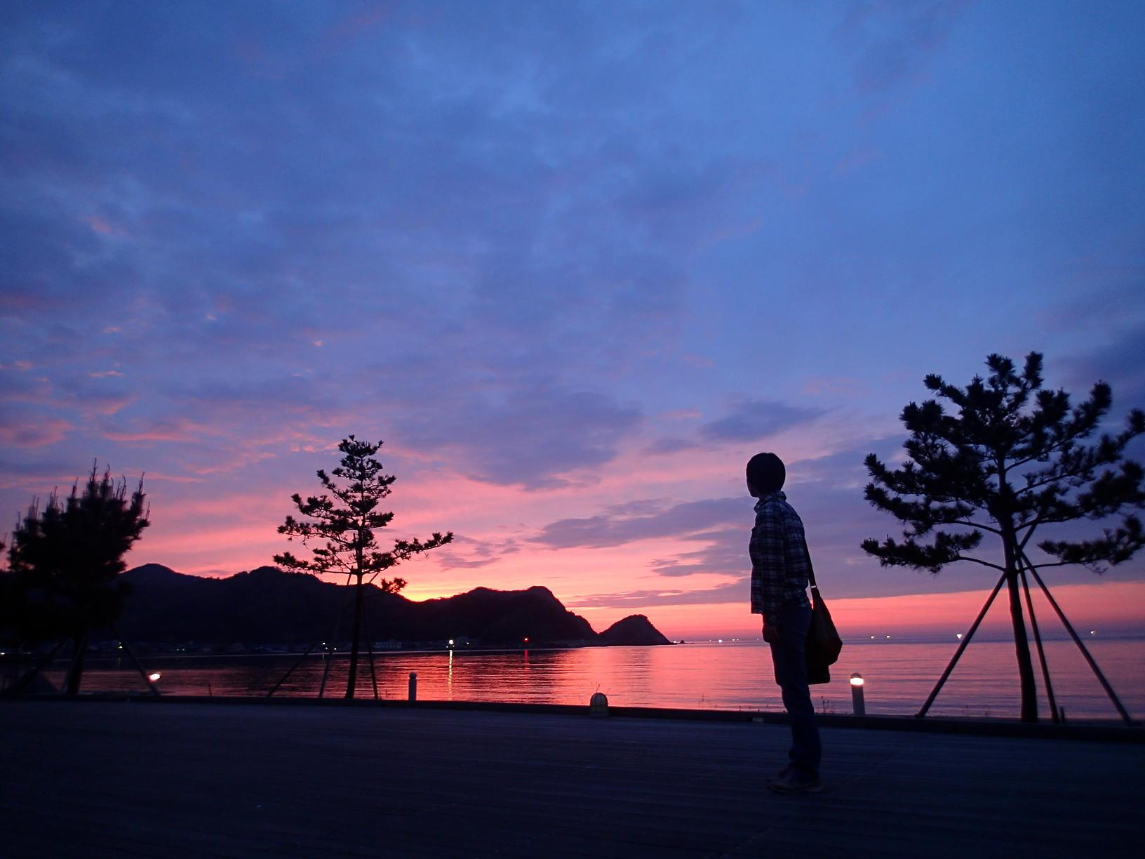 人気食堂「てんてん」紹介&香住海岸の絶景夕焼けツアー随時開催!