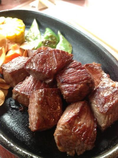 「楓」のステーキ