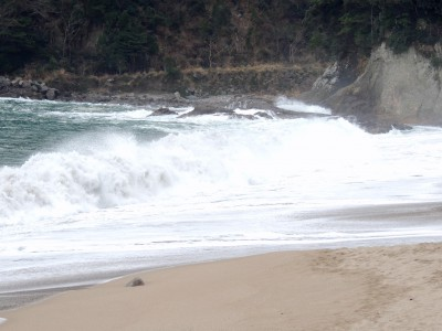 波が高い時の日本海(香住海岸)