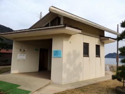 佐津海水浴場にある公衆トイレ