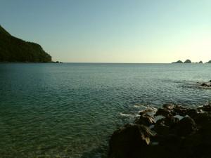 お天気の良い日の佐津ビーチ