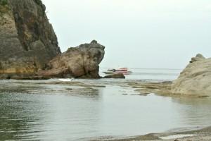 かえる島と遊覧船