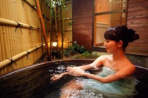 モデルさん入貸切露天風呂