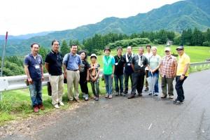 うへ山の棚田で記念撮影2