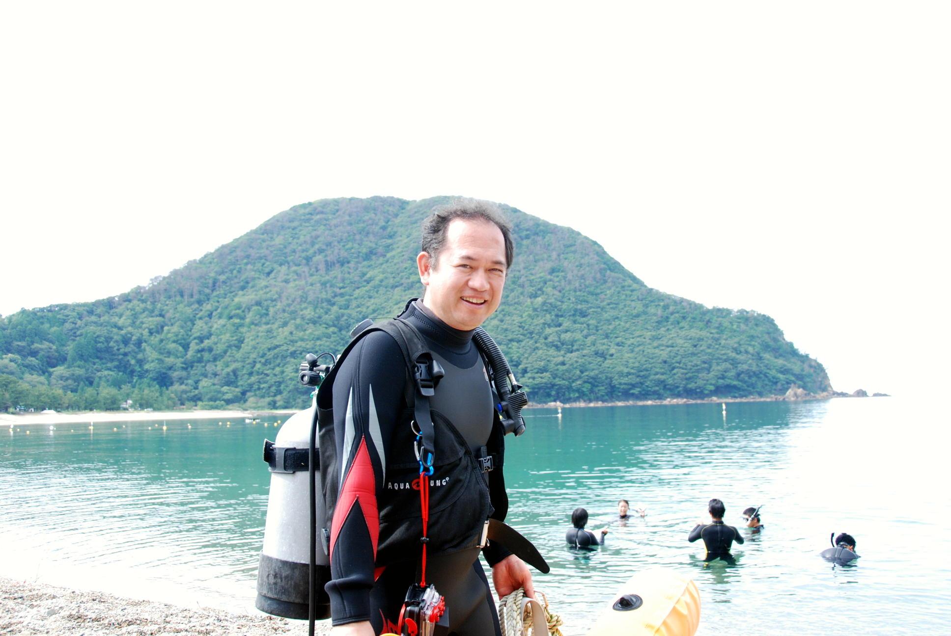 夏といえば佐津ビーチの水中ガイドブログです♪