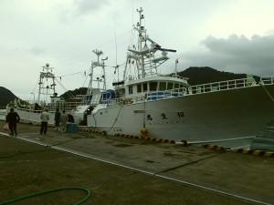 松葉ガニ漁の船
