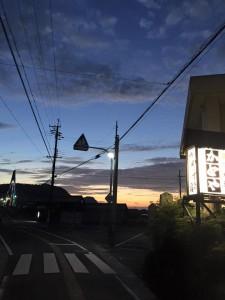 夏の夕暮れ(佐津集落)
