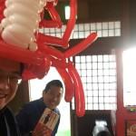 春休みのカニ旅行に♪カニのバルーンアートハット、好評なので3月下旬常設決定!!