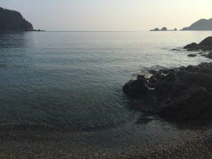 朝の佐津ビーチ