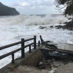 台風一過(令和元年台風19号)、一夜明けての佐津海水浴場の様子
