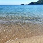 五月晴れ!!佐津海水浴場の美しさ、透明度のよさは健在です