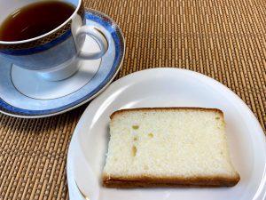 地酒ケーキは紅茶で
