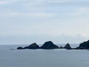 安木浜付近からUPで撮影した貝殻島