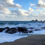 台風一過の佐津海水浴場、波高めですのでご注意下さいね。