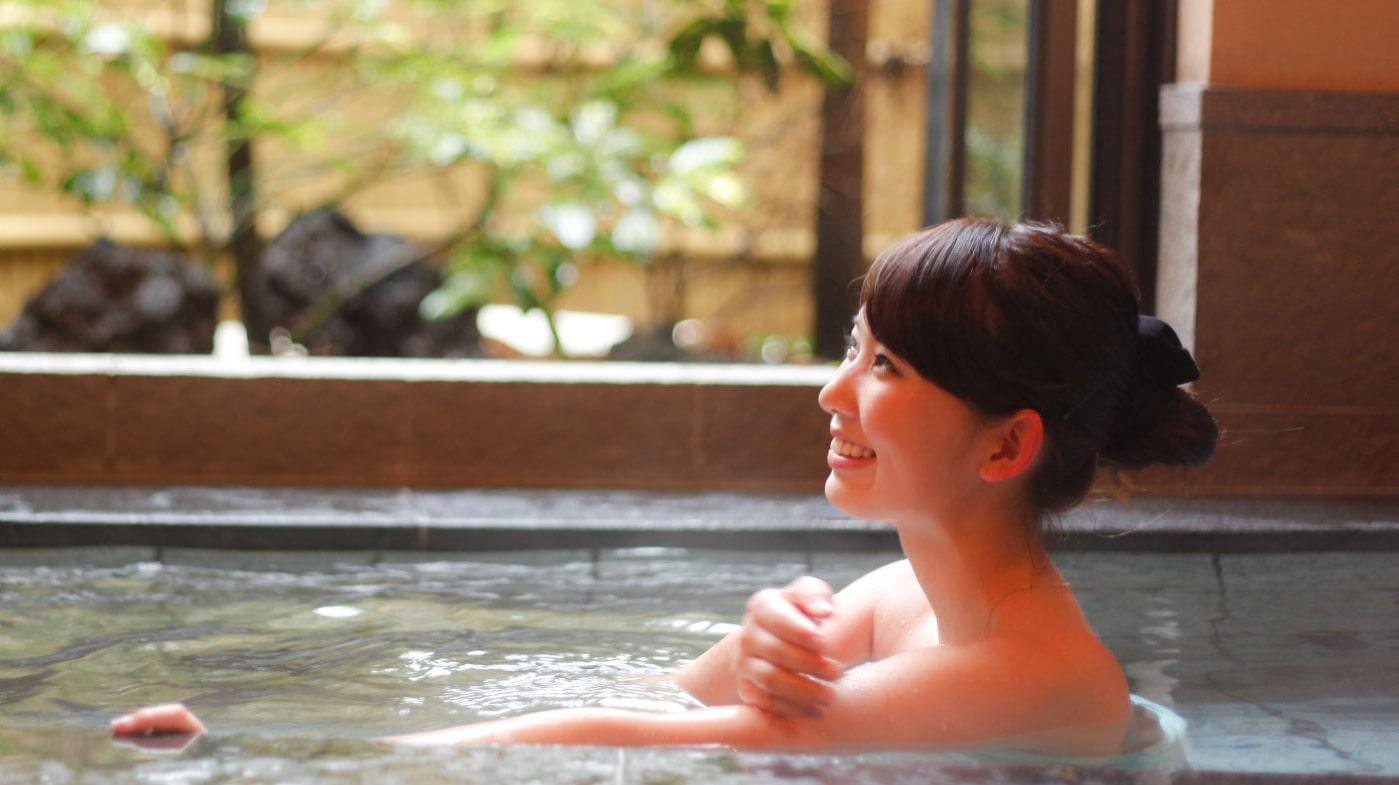 民宿美味し宿かどやの温泉のお風呂